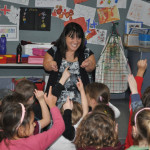 Jacqui Barrett talking to primary school schoolchildren