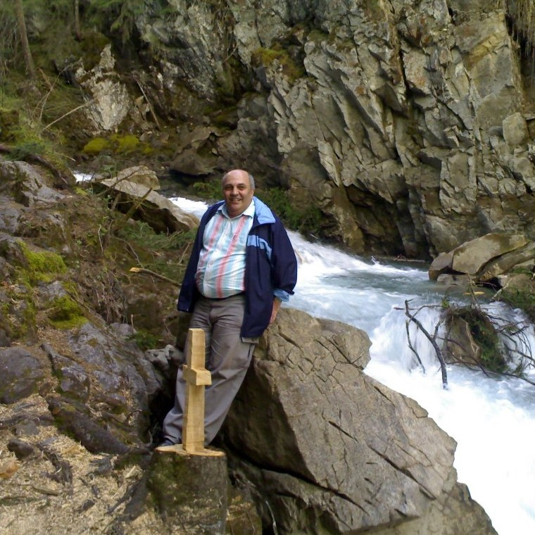 Romel Aziz at the Barbara waterfall during his long stay in Switzerland.
