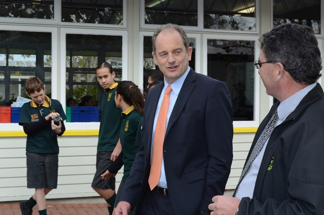 CHEWING THE FAT: Labour leader David Shearer and Melville Intermediate School principal David Cooke discuss the Koha Cafe breakfast club. Photos: Libby Wilson